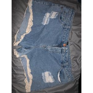 Forever 21 jean shorts with lace